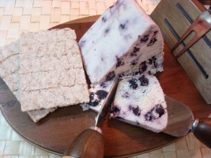 festive wine cheeze with blueberries